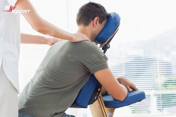 Ghế massage mang lại lợi ích kinh tế lâu dài hơn so với các trung tâm vật lý trị liệu